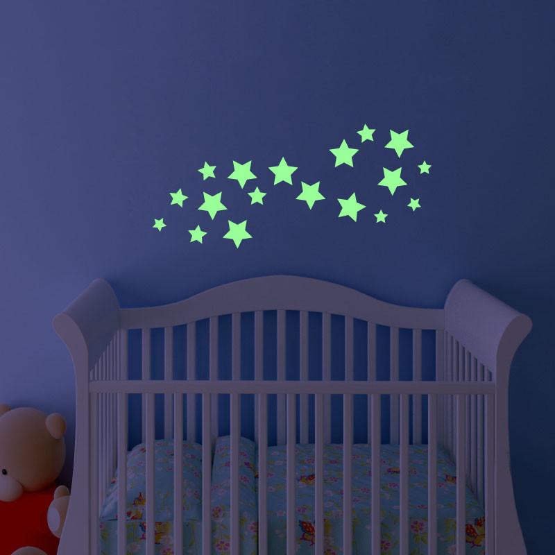 Samolepka svietiaca v tme Fanastick Simple Stars