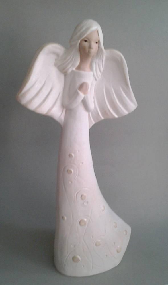 anjel Felicia v šatách krémovej farby 38 cm
