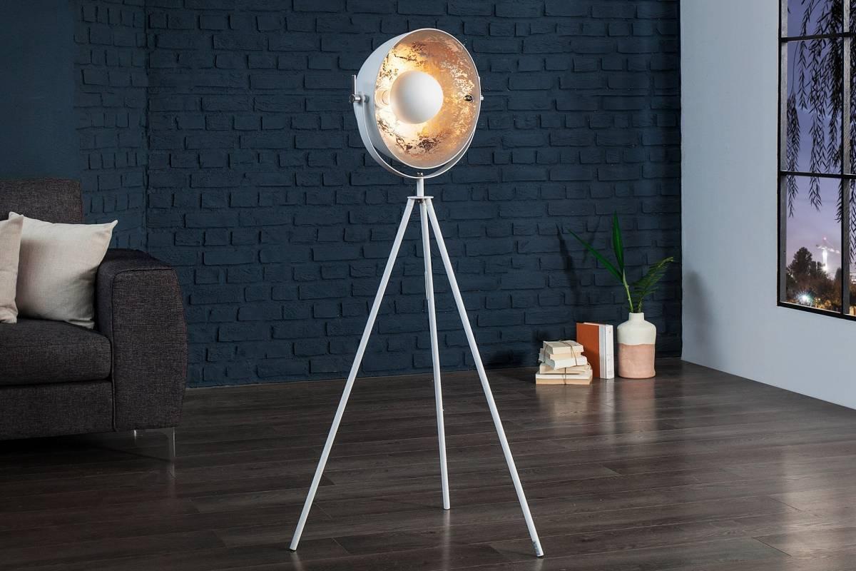 Stojaca lampa SADO 140 cm - strieborná