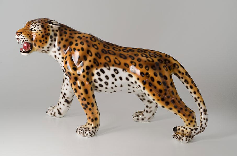 Leopard 381M