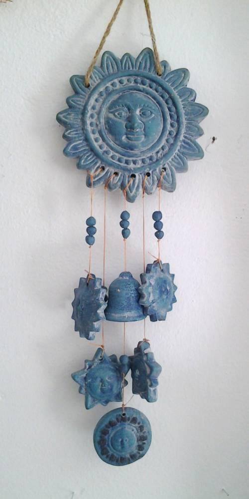 modrá závesná dekorácia slnko