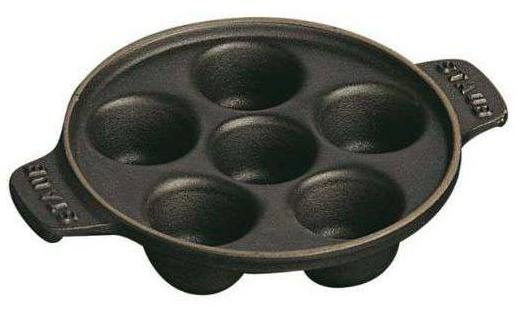 Staub Liatinový tanier na slimáky s 6 priehlbinami čierna 14 cm