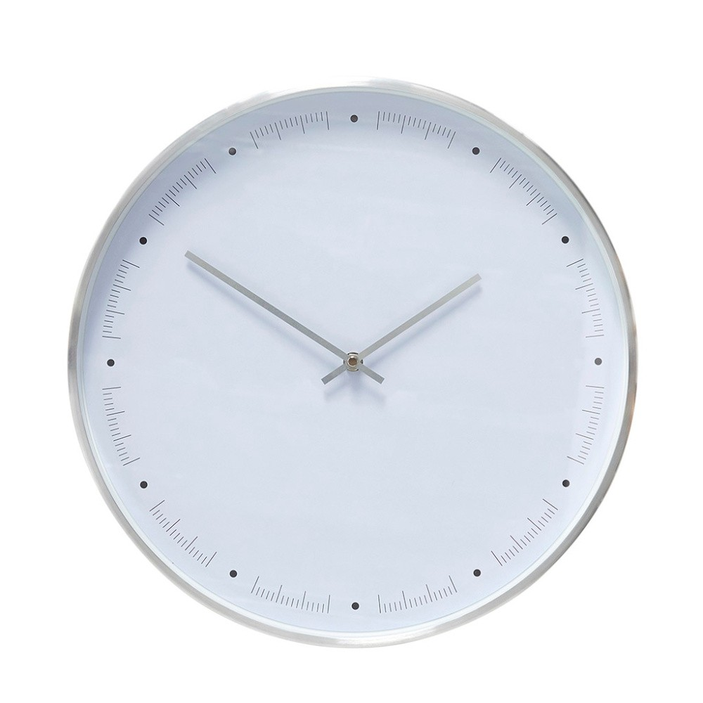 Biele  nástenné hodiny s rámčekom v striebornej farbe Hübsch Ib