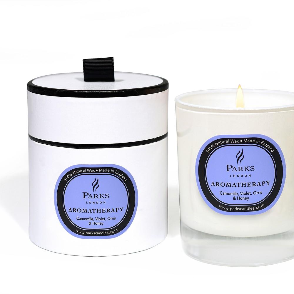Sviečka s vôňu fialiek, harmančeka a medu Parks Candles London Aromatherapy, 50 hodín horenia