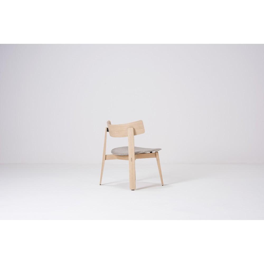Jedálenská stolička z dubového dreva Gazzda Nora