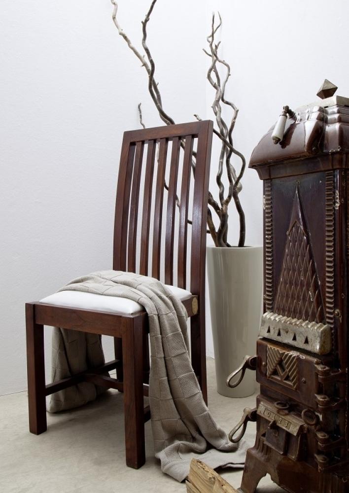 ZENO OXFORD #30 Kolonialstil čalúnená stolička, masívny agátový nábytok, biela