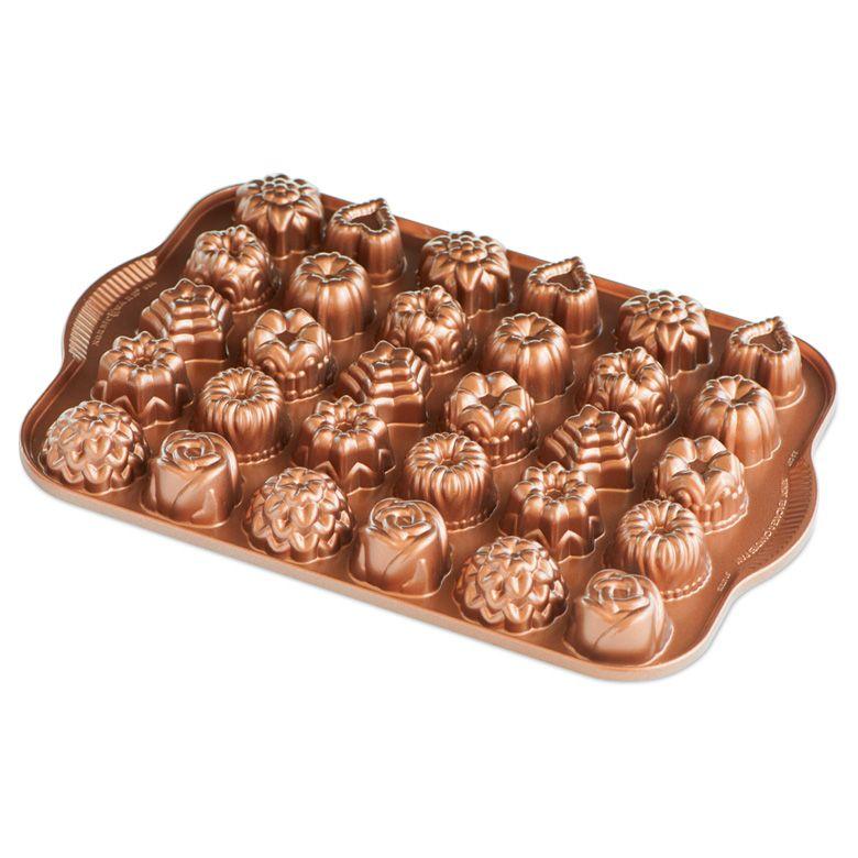 Forma na 30 kúskov cukroviniek Tea Cakes and Candies Nordic Ware medená