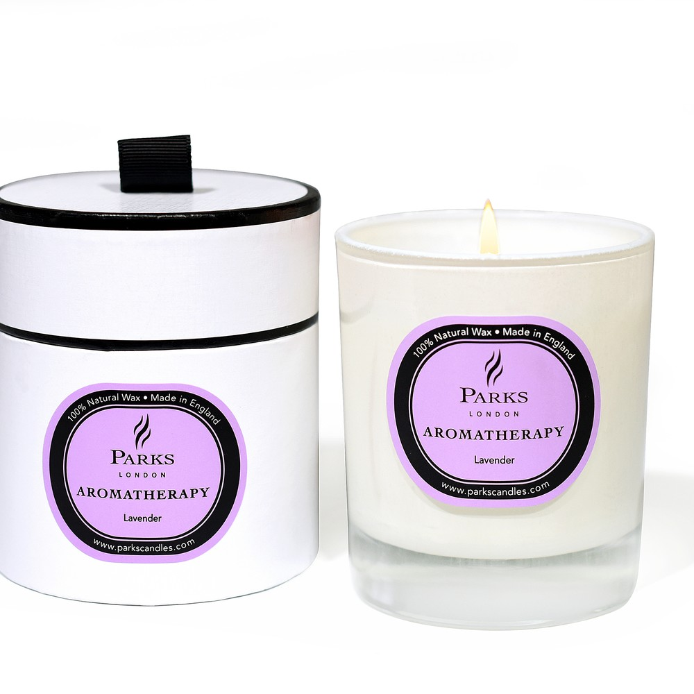 Sviečka s vôňou levandule Parks Candles London Aromatherapy, 45 hodín horenia