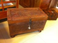 Furniture nábytok  Masívna Antická truhlica  z Palisanderu  Táleb  67x36x45 cm