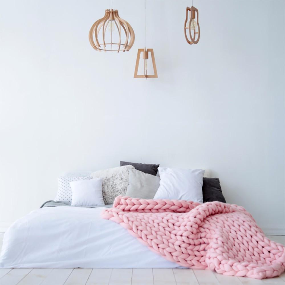 Svetloružová ručne tkaná deka z merino vlny Concepttual Chunky, 125 x 130 cm