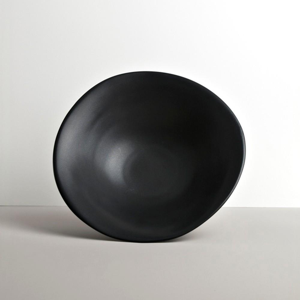 Čierny keramický hlboký tanier Made In Japan Modern, ⌀ 24 cm