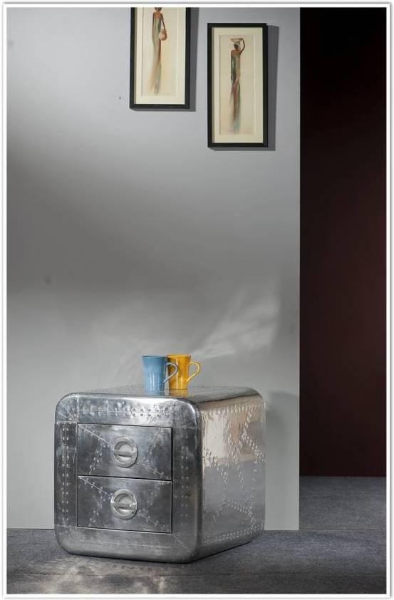 Nočný stolík AERO