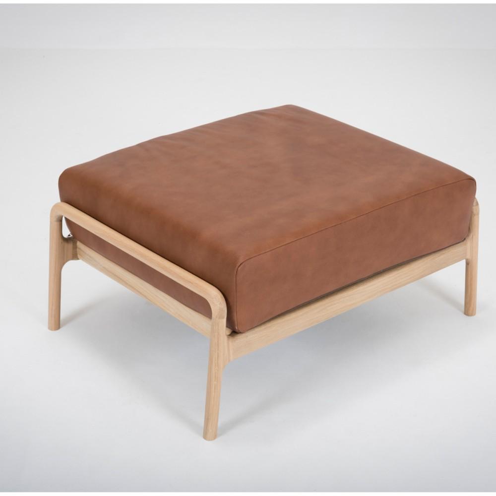 Koňakovohnedá podnožka s konštrukciou z masívneho dubového dreva Gazzda Fawn