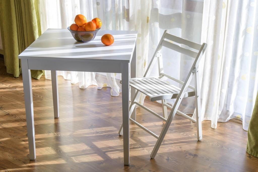 Jedálenský stôl KLOPKLIP 70 cm - biela