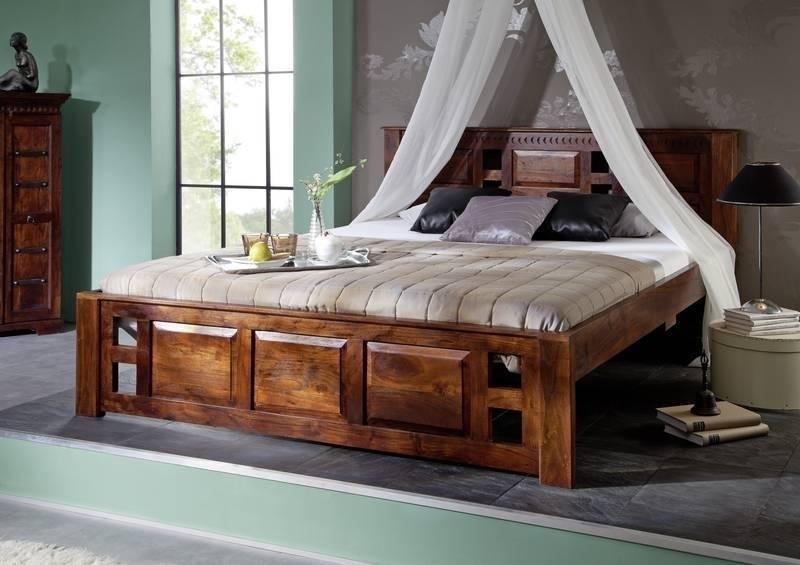 CLASSIC OXFORD #254 Koloniales posteľ 200x200 masívne agátové drevo