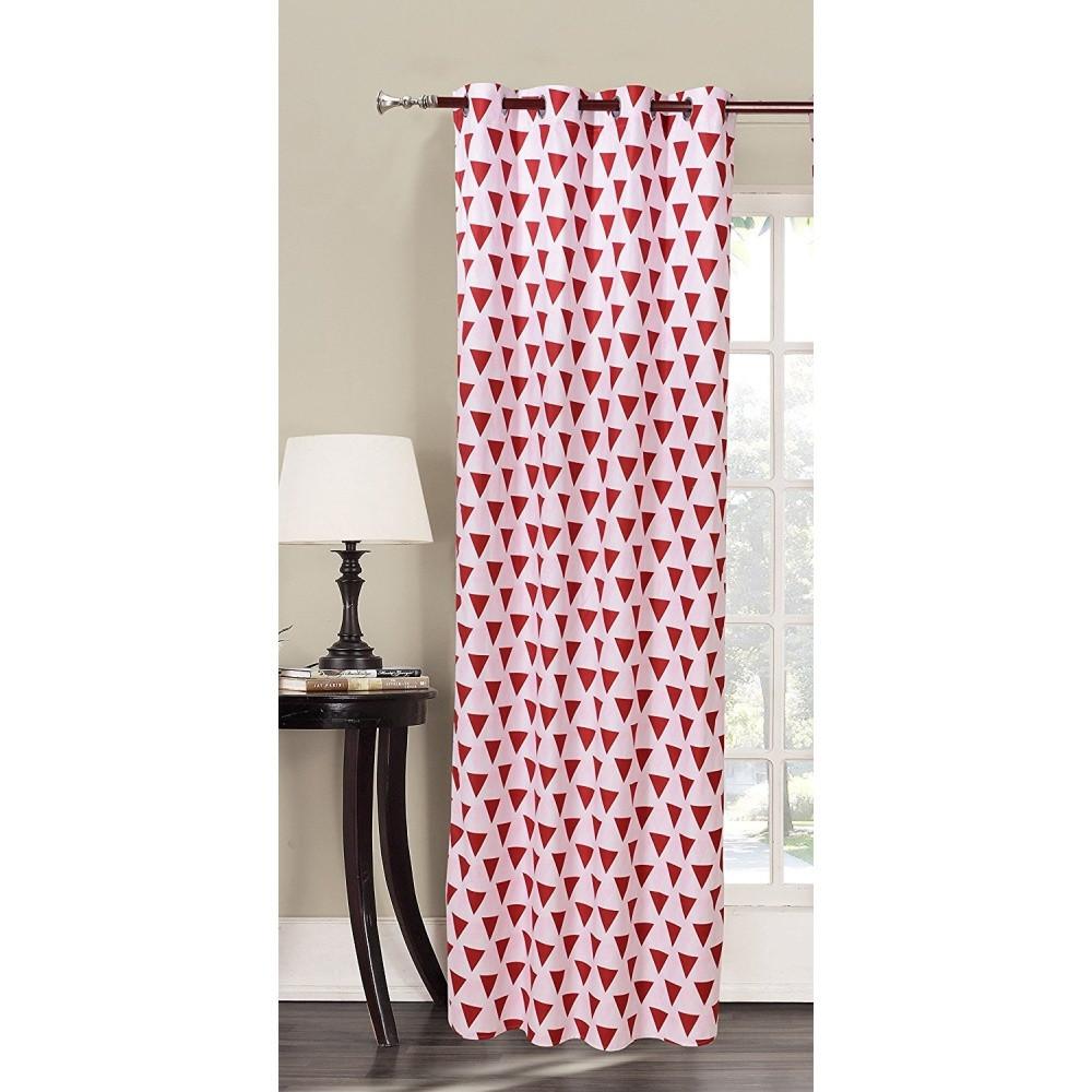 Červeno-biely vzorovaný záves z mikrovlákna DecoKing Triangles, 140x245cm