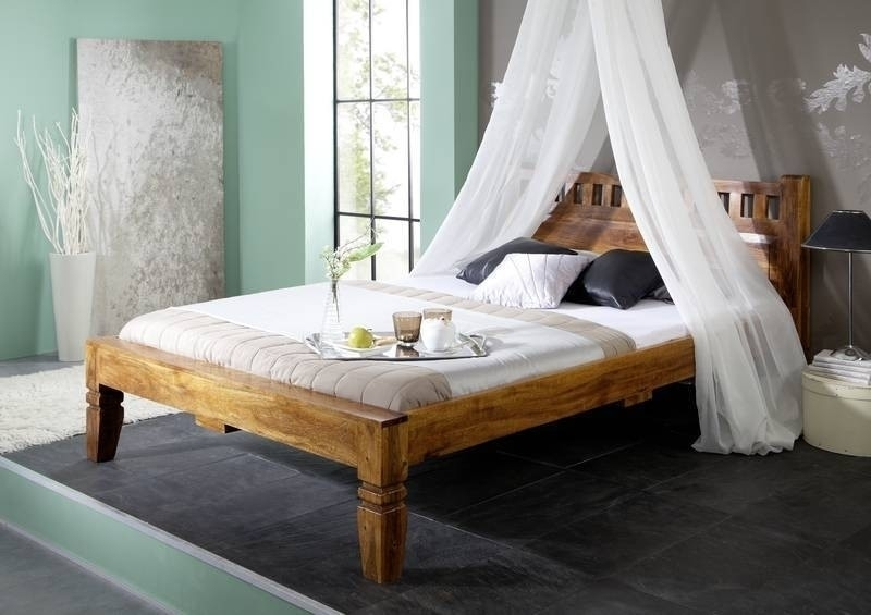 OXFORD HONIG #224 Kolonialstil posteľ 200x200 masívny agát, medová