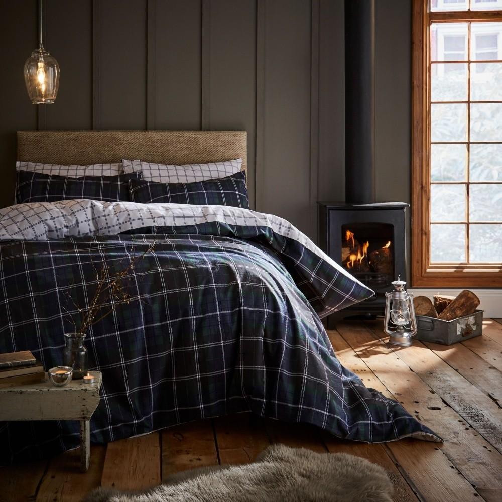 Modré posteľné obliečky Catherine Lansfield Tartan Check, 135 x 200 cm