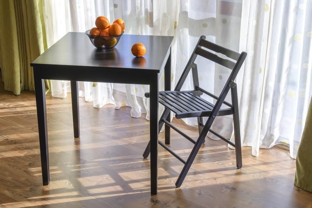 Jedálenský stôl KLOPKLIP 70 cm - čierna