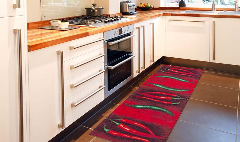 Vysokoodolný kuchynský koberec Peperoncini, 60x220 cm