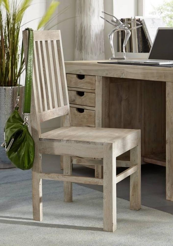 NATURE WHITE stolička #121 lakovaný agátový nábytok
