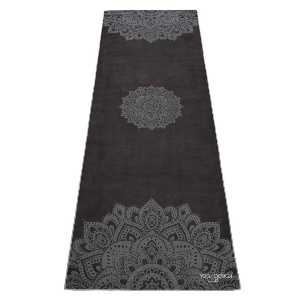 Čierna podložka na jogu Yoga Design Lab Travel Mandala, 0,9 kg