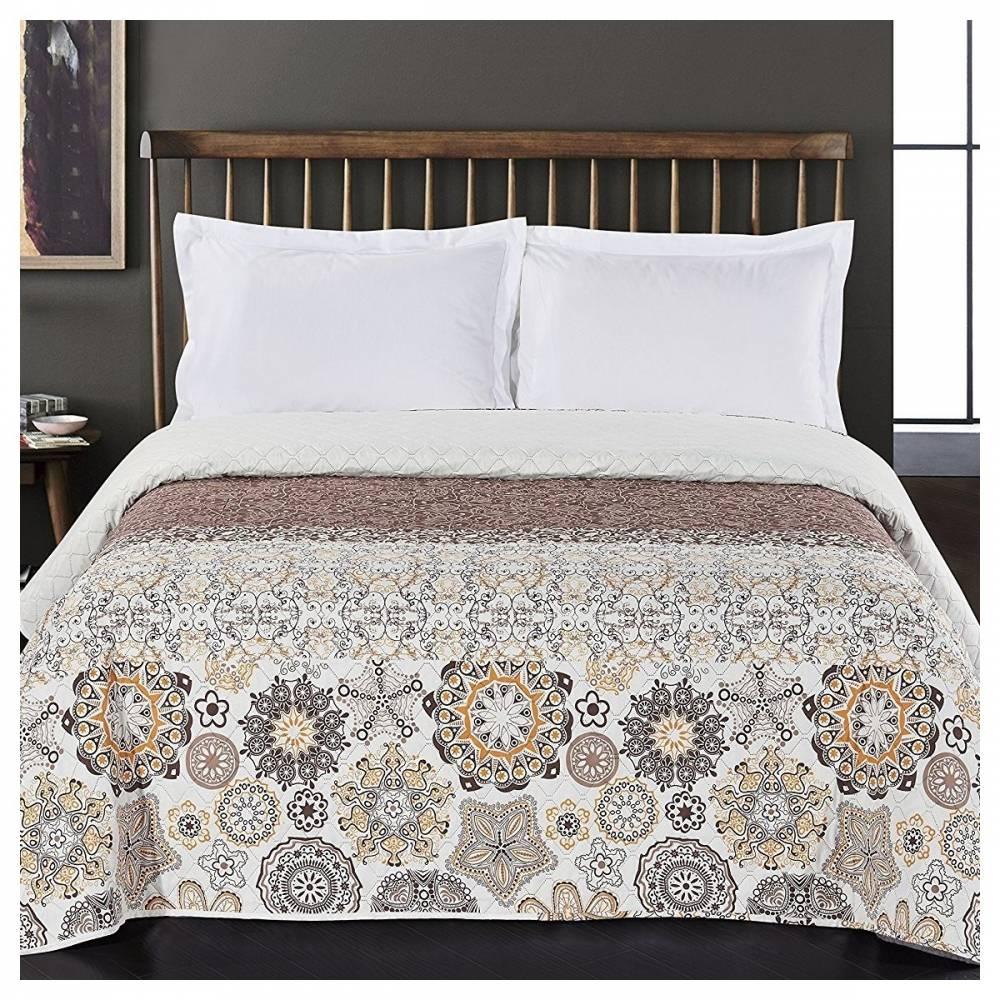 DecoKing Prehoz na posteľ Alhambra hnedá, 220 x 240 cm