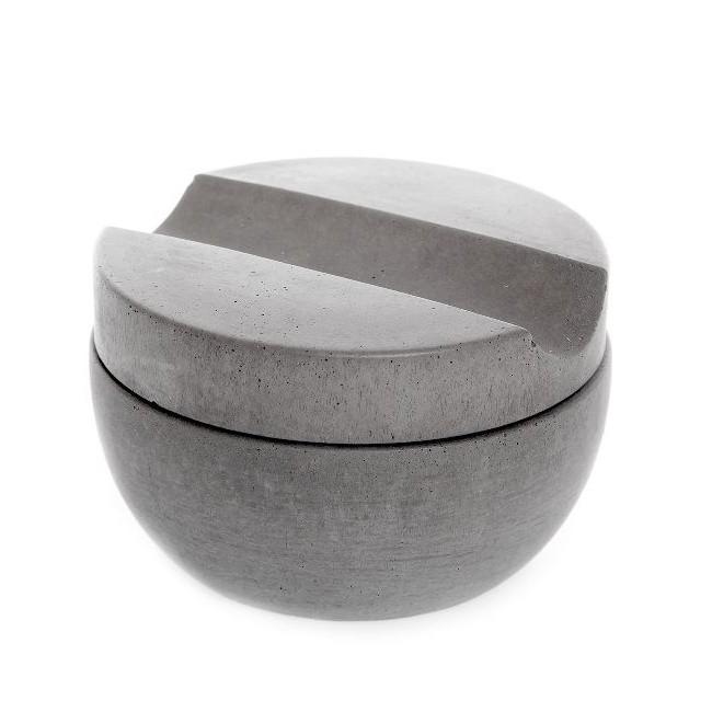 Sivá betónová miska na holenie s mydlom s vôňou santalu Iris Hantverk