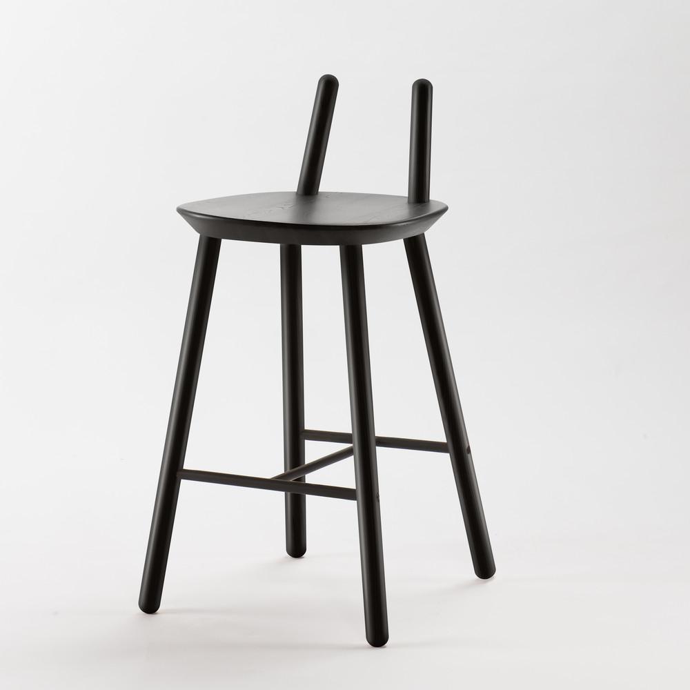 Čierna barová stolička z masívu Emko Naïve