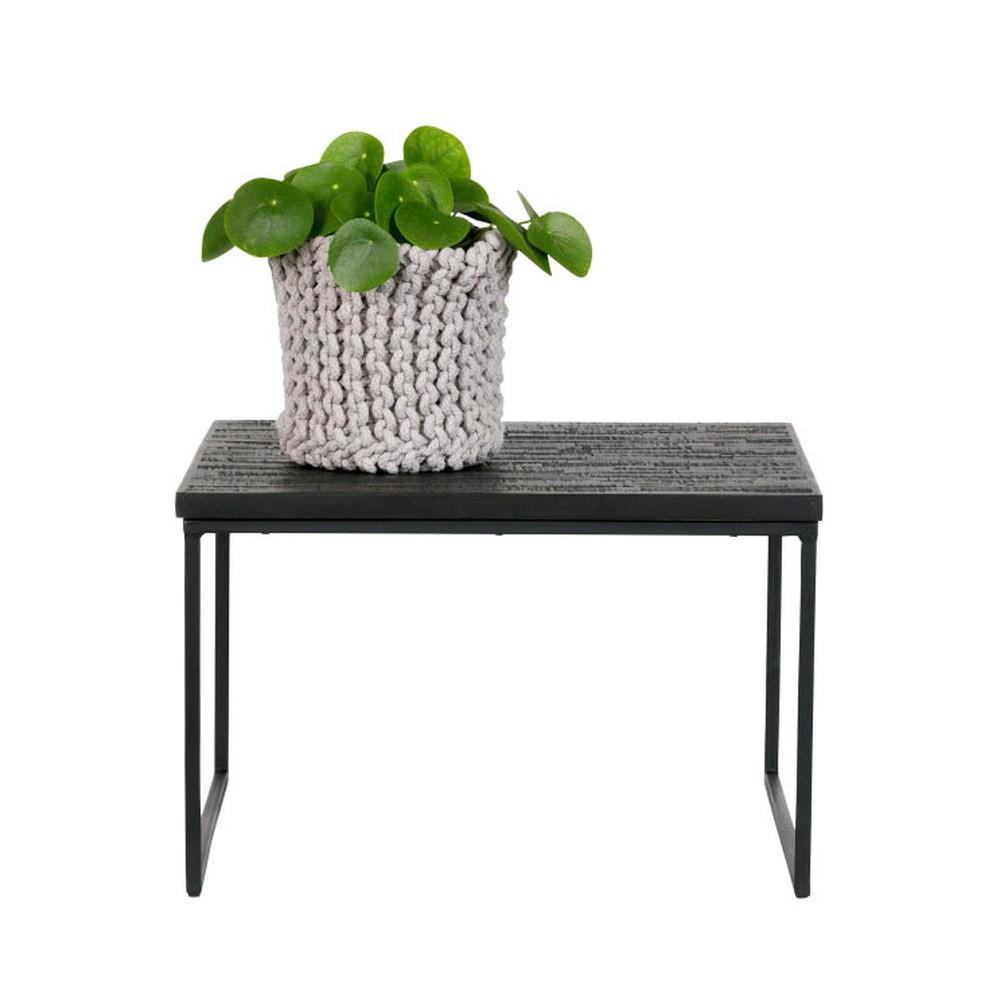 Čierny odkladací stolík s doskou z recyklovaného teakového dreva De Eekhoorn Sharing