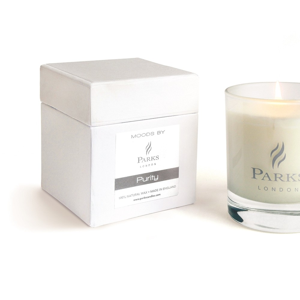Sviečka s vôňou orchideí a gardénie Parks Candles London Moods White, 50 hodín horenia