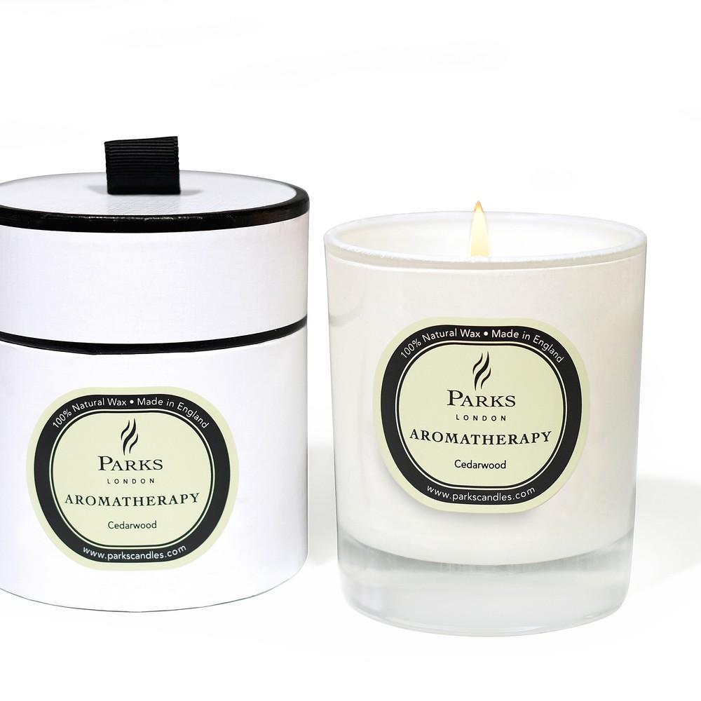 Sviečka s vôňou cédrového dreva Parks Candles London Aromatherapy, 45 hodín horenia