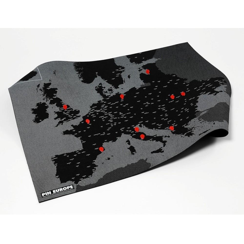 Čierna nástenná mapa Európy Palomar Pin World, 100 x 80cm