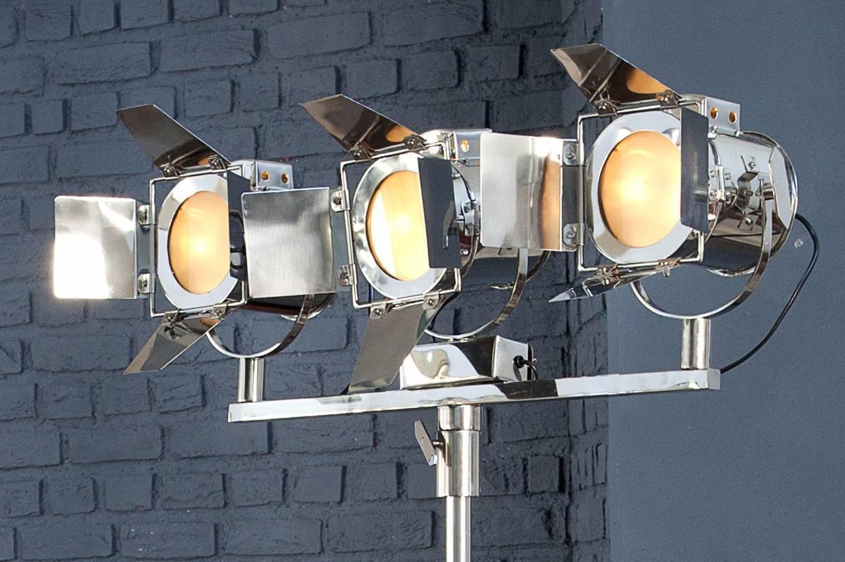 Stojáca lampa LAX 185 cm - strieborná