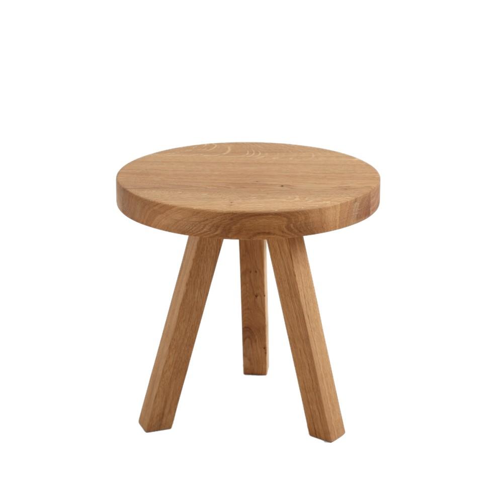 Odkladací stolík z dubového masívu Custom Form Treben, priemer 40 cm