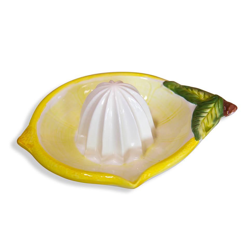 Keramický odšťavovač citrusov.
