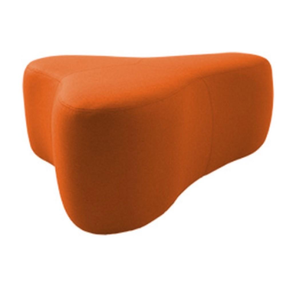 Oražový puf Softline Chat Felt Orange, dĺžka 130 cm