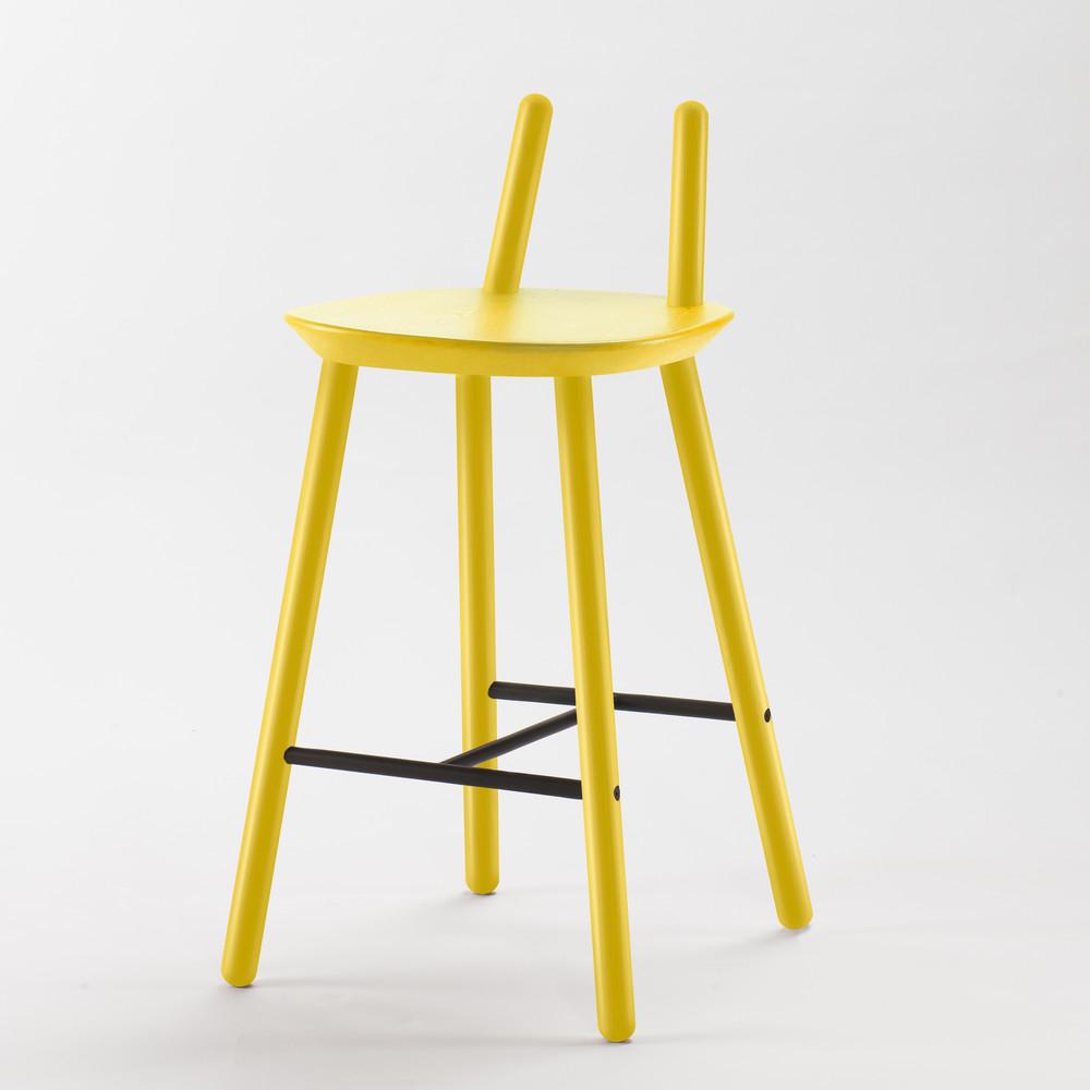 Žltá barová stolička z masívu Emko Naïve
