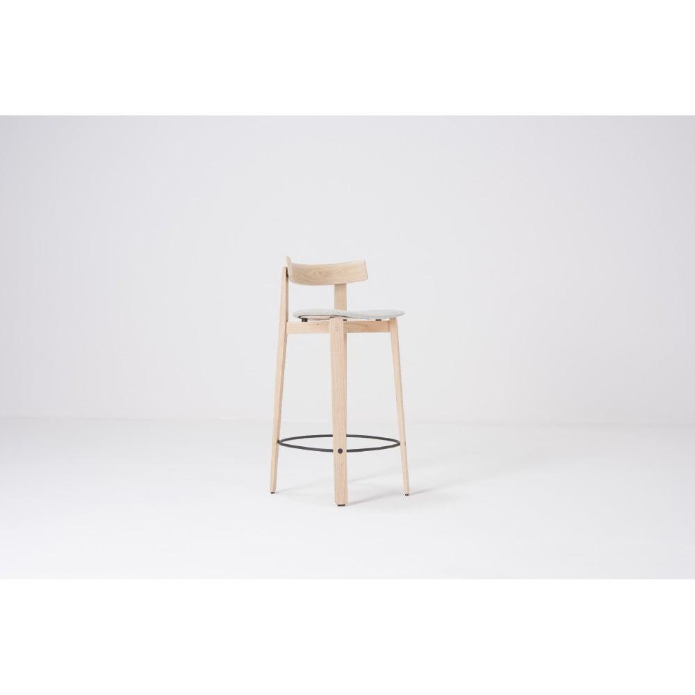 Barová stolička z dubového dreva s opierkou Gazzda Nora